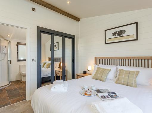 Luxurious double bedroom with en suite bathroom